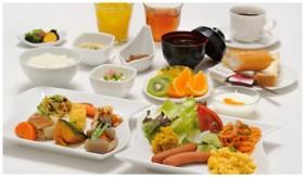 朝食は和洋のビュッフェスタイルです。朝の早いビジネスマンの為に早朝6:30よりオープン♪