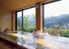 広々とした畳式の展望風呂