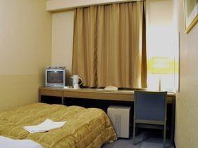 シングルルームの一例(地デジ液晶TV設置)